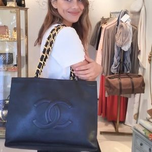 💎HUGE💎CHANEL TOTE